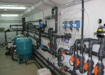 Κατασκευή πισίνας- Εγκατάσταση μηχανημάτων σε πισίνα με περιστρεφόμενα στόμια πυθμένα