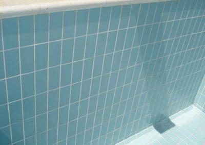 Εσωτερική επένδυση πισίνας- Πλακάκια και αρμολόγηση τους