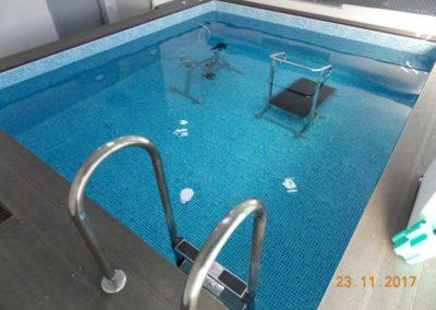Μικρή πισίνα-Σκάλα