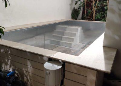 Πισίνα αποκατάστασης-Εσωτερική σκάλα